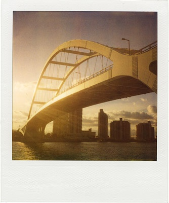 golden bridge pola vs. iphone #2
